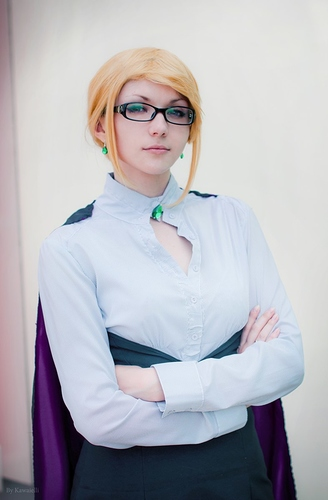 cosplay_glinda_goodwitch__rwby__by_seltyreaper_d7p5slw