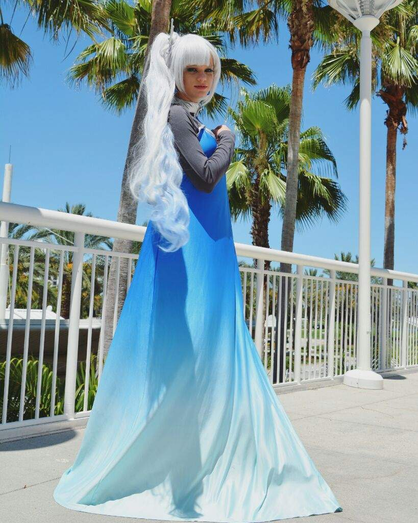 Weiss%20Formal%20Cosplay%205